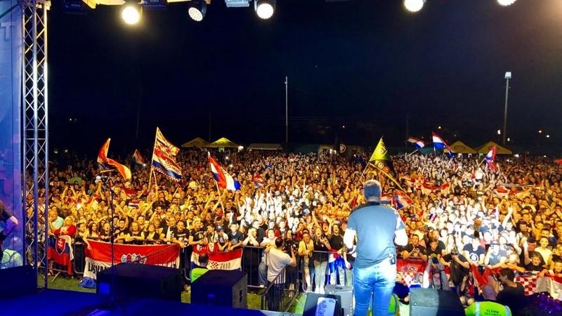 Thompson usijao Klinča Sela: Prije koncerta odao počast hrvatskim žrtvama svih ratova