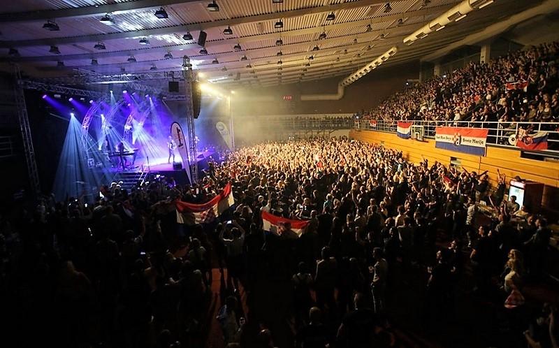 Tisuće fanova uglas pjevalo s Thompsonom na spektakularnom koncertu u Čakovcu